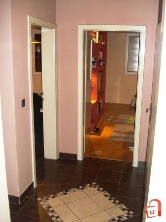 Stan-od-50m2-do-Hotel-Ibis-Plostad-Makedonija (2)