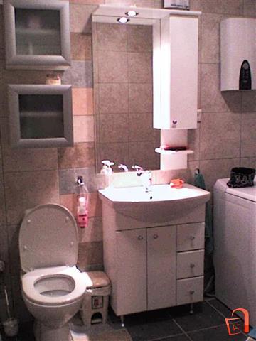 Stan-od-50m2-do-Hotel-Ibis-Plostad-Makedonija (8)