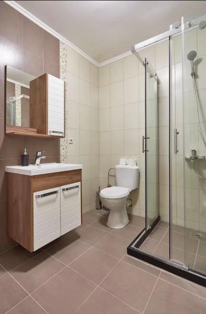 Се-изнајмува-реновиран-стан-во-строг-Центар (8)