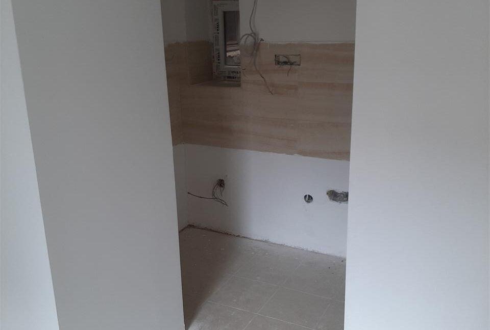 Се-издава-стан-на-Водњанска--одличен-за-деловен-простор (7)