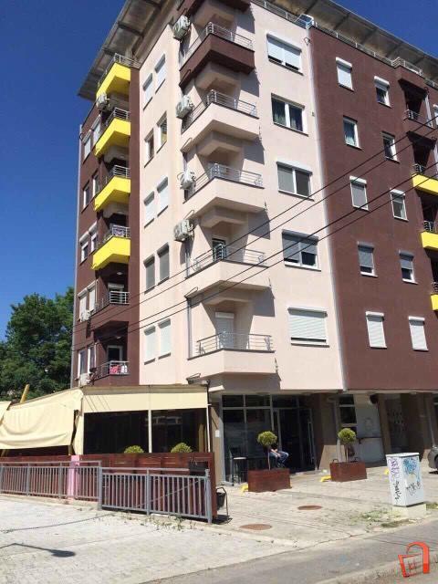 Se-iznajmuva-stan-od-120m2-vo-Karpos (7)
